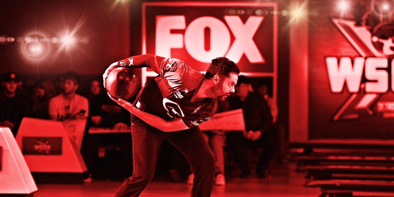 Jason Belmonte in front of FOX LOGO bowling.